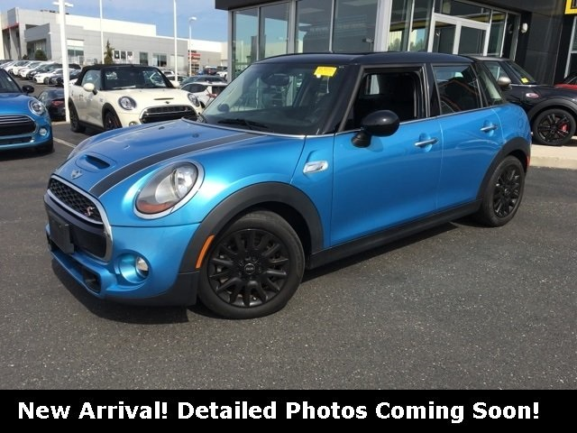 Pre Owned 2016 Mini Cooper S Base 4d Hatchback In Maple Shade